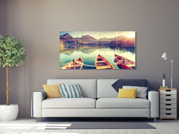 תמונת זכוכית של 3 סירות באגם