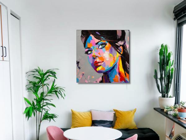תמונת זכוכית של אשה צבעונית 1