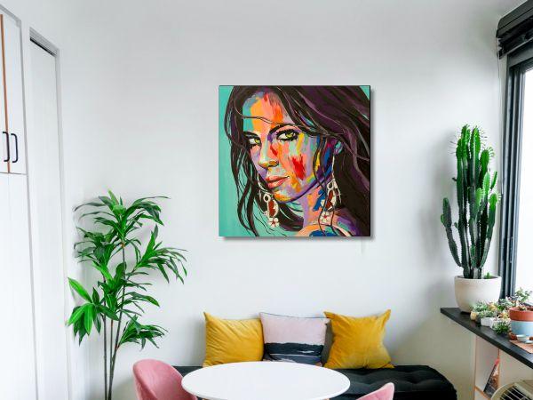 תמונת זכוכית של אשה צבעונית 2