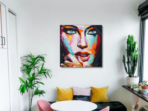 תמונת זכוכית של אשה צבעונית 5