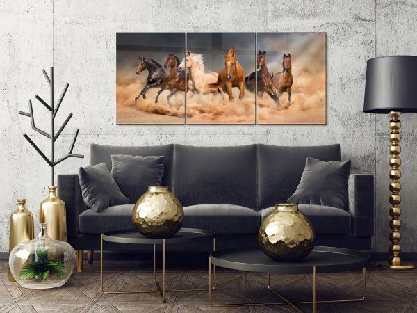 תמונת זכוכית של סוסים דוהרים
