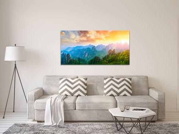 תמונת זכוכית של שיקעה במעלה ההרים